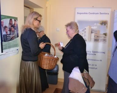 Pielęgniarka – wsparciem seniora w zdrowiu i aktywności