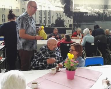 Na majówkę, na majówkę – urodziny mieszkańców i uczestników z miesiąca MAJ.