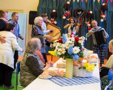Koncert zespołu Galicja Folk Band na urodzinach miesiąca lipca