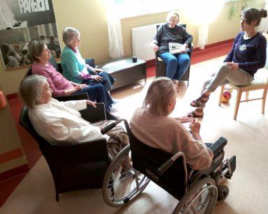 Wolontariusze pomocni seniorom
