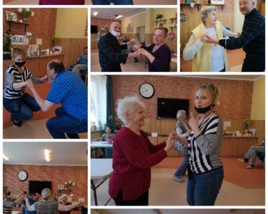 Kolaż z dziewięciu zdjęć. Na zdjęciach tańczący seniorzy i pracownicy.